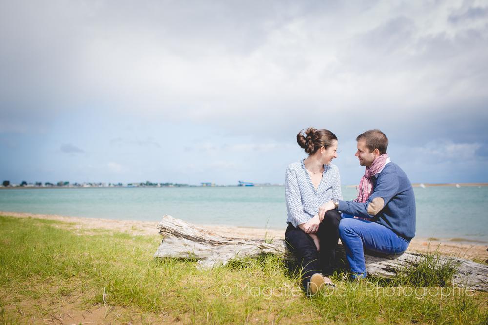 seance-engagement-couple-photographe-ouistreham