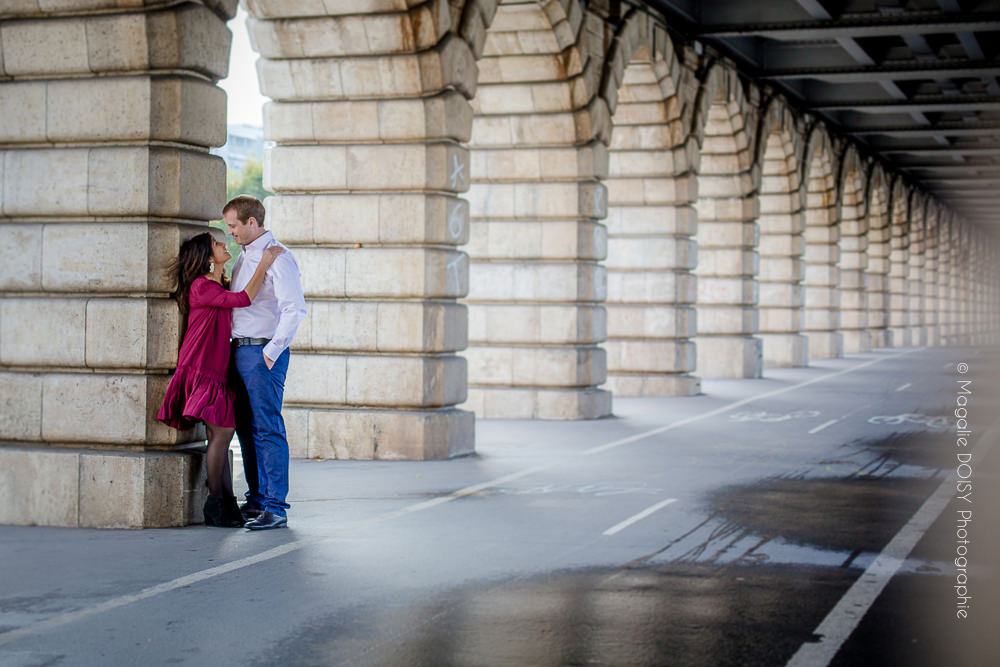 Séance photo couple dans les rues de Paris