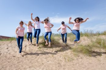 EVJF Ouistreham - Séance photo entre filles à la mer